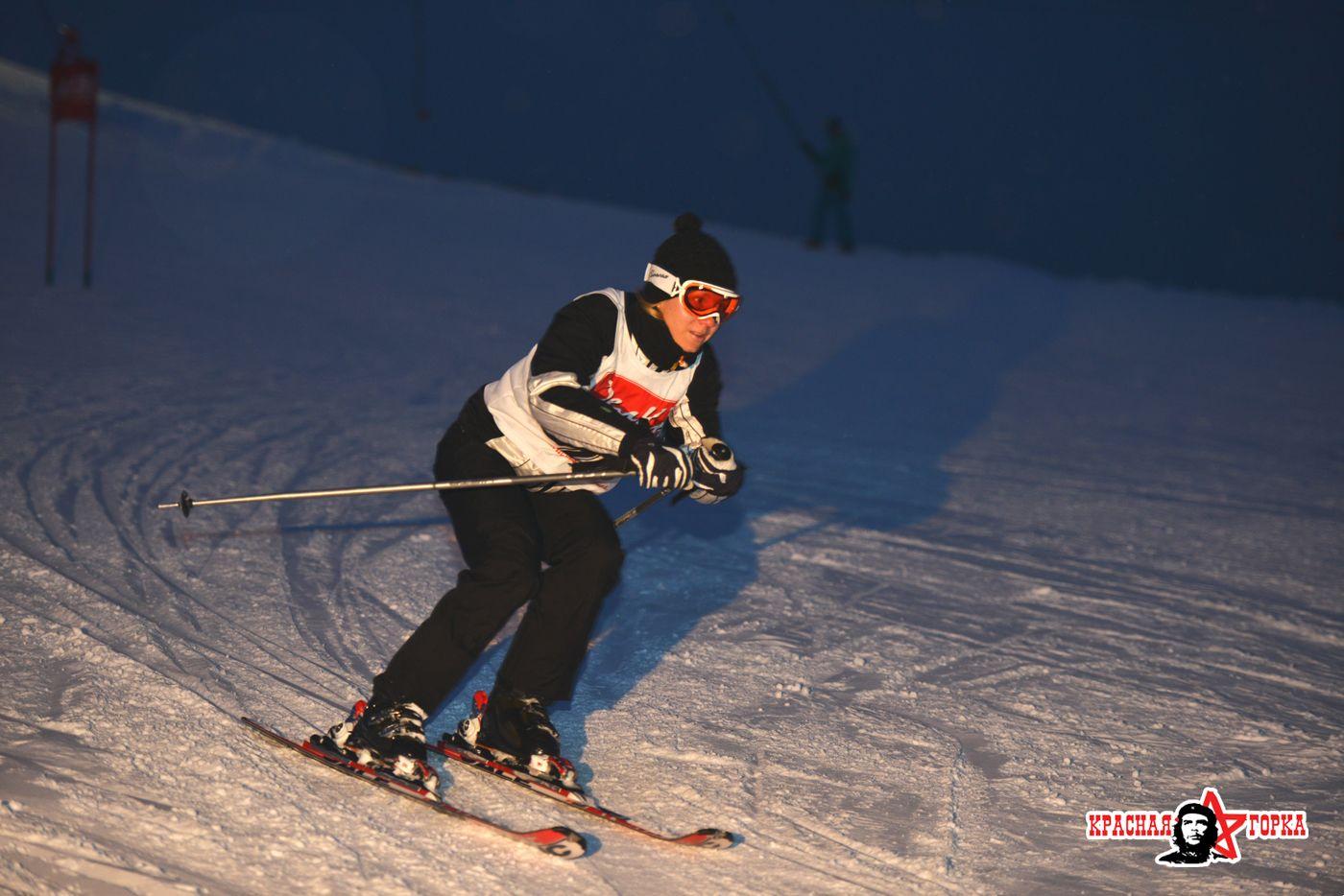 картинка лыжник с горки пышных дамах